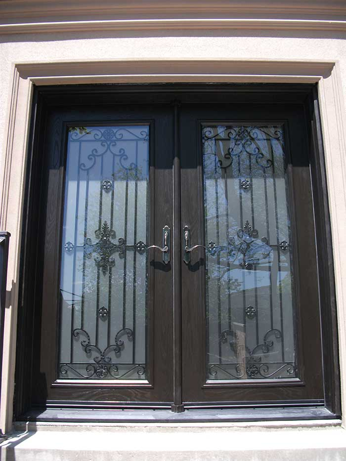 Fiberglass doors toronto wood grain fiberglass doors for Wood grain garage doors