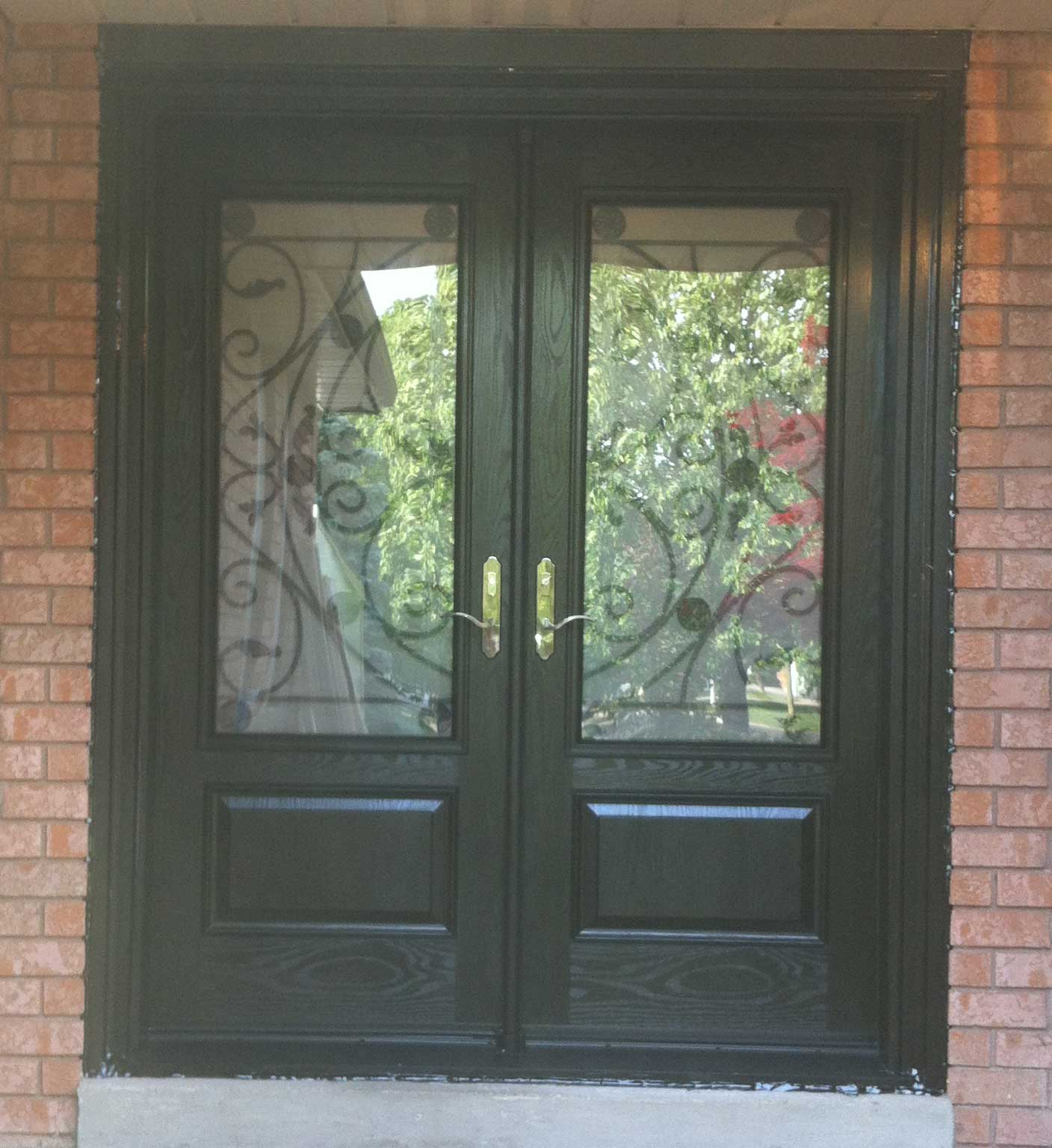 Fiberglass doors toronto wood grain fiberglass doors for Fiberglass entrance doors