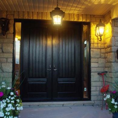 Fiberglass Door-Woodgrain Fiberglass Double Solid Front Door with Rustic and 2 Side lights installed by Fiberglass Doors Toronto in Richmondhill Ontario